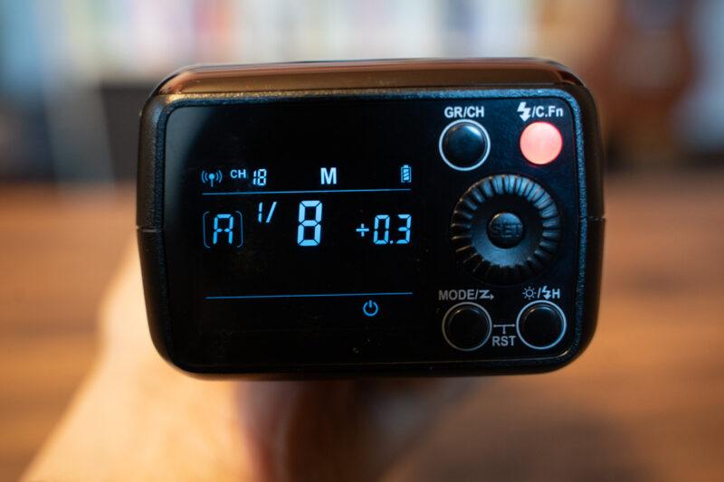 Godox AD200 表示モニター
