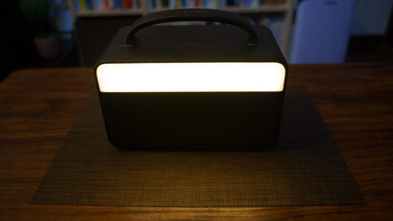 Anker PowerHouse II 400 背面LEDライト
