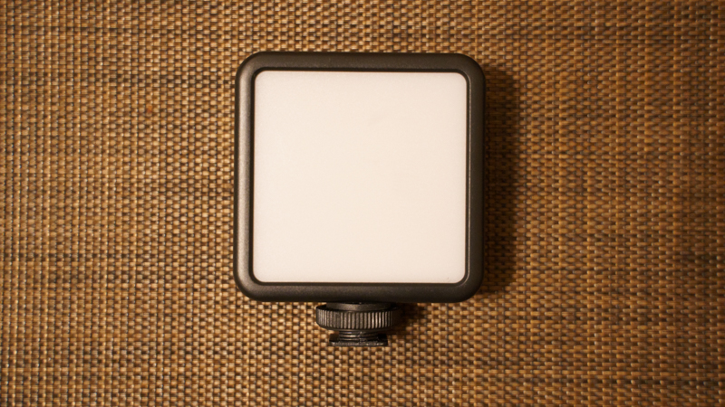 Ulanzi VL-81 LEDビデオライト
