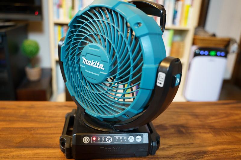 makita(マキタ)充電式ファンCF102DZ 首振り機能