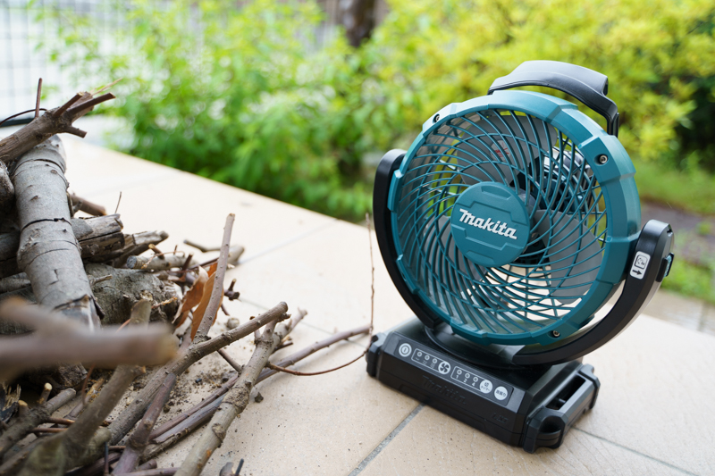 makita(マキタ)充電式ファンCF102DZ アウトドアでも活用