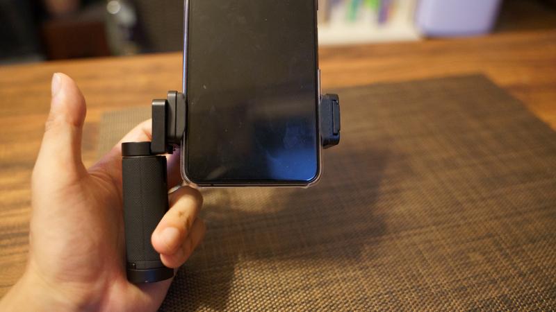 スマホ用カメラグリップ ShutterGrip2 可動式グリップ 縦向き